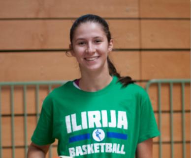 Ela Mićunović podaj žogo