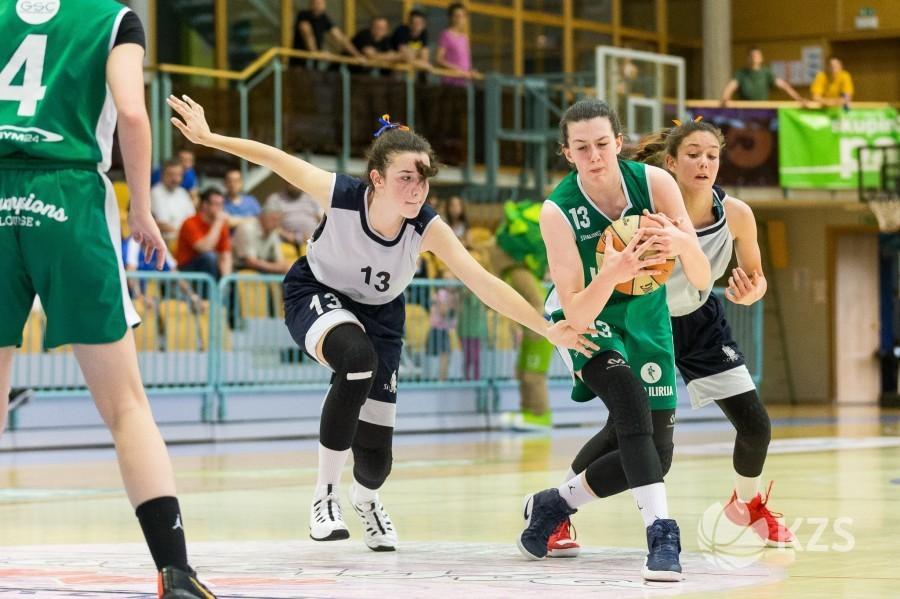 Antonella Ožbolt podaj žogo