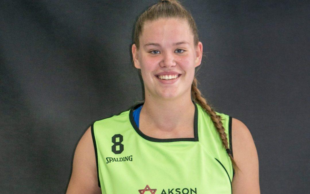 Nikolina Sofrić podaj žogo